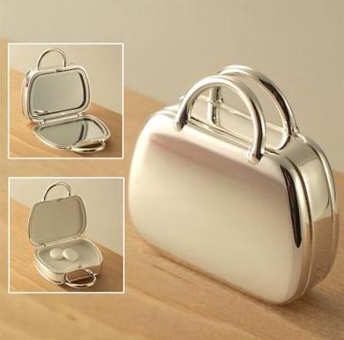 Gold Hard Material Cosmetic bag